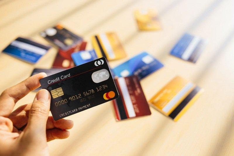 4 loại thẻ bạn nên mang theo trong người khi du lịch Châu Âu